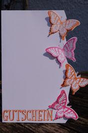 Gutscheinkarte mit frühlingshaften Schmetterlingen - Patricia Stich - SU 2015
