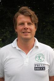 Trainer Ulf Kliche ist nach seiner Knie-OP immer noch außer Gefecht gesetzt
