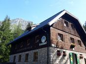 Rohrauerhaus, im Hintergrund der Große Pyhrgas