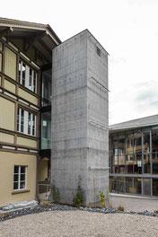 Jakob AG Trubschachen. Anbau Liftturm in Beton