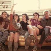 ambiance joyeuse 5 personnages