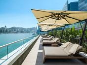 neues Kerry Hotel mit infinity Pool mit Blick auf Hongkong Island und mit Top Standort mit Anbindung an Öpnv und U-Bahn.