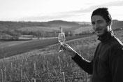un vigneron dans ses vignes