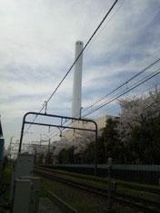 高井戸の煙突と桜