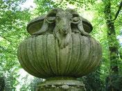 Vase sur colonne