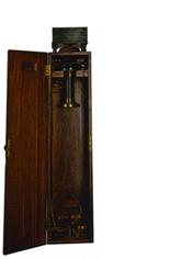 Телефонный аппарат конструкции Д.Й. Вадена