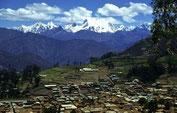 Huaraz mit Blick auf die Bergkulisse der Cordillera Blanca