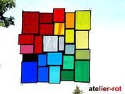 moderne Fensterbilder in Regenbogenfarben