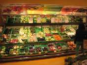 Bioladen mit Obst und Gemüse
