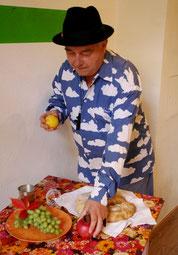 paulus14september christliche Symbolik Kirche Zitrone gebraochenes Brot