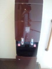 ウォーターサーバーの底に波動カードを張り付けてエネルギー充填