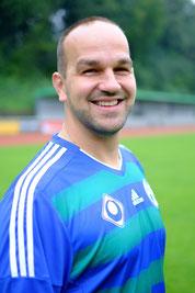 Sandro, Abwehr