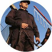 Objektschutz, Hundeführer, Uniform, Waffe, 24 Stunden, SDS Sicherheitsdienst