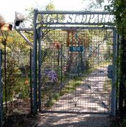 Tor am Vereinshaus