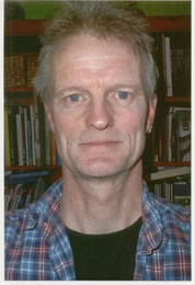 Andreas Bahlmann hat sein Buch Red House geschrieben