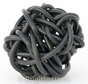 Brigitte Dams:  black ball, 2004