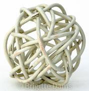 Brigitte Dams: white ball, 2004
