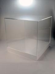 showcase white2a