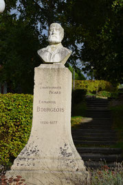 Statue E. Bourgeois- Vers-sur-Selle