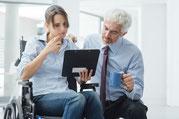 Psychologische Unterstützung und aktive Hilfe bei Problemen im Job