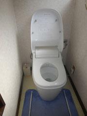 トイレには窓があり あったか便座で冬でも温かいです