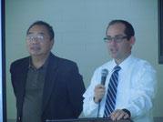 司会のジョナス国際部長(左)とクリス副学長(右)