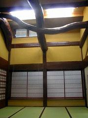 客間 天井の梁