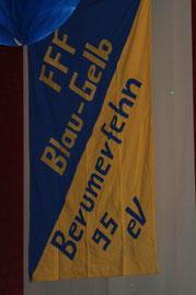 Die Vereinsfahne durfte natürlich nicht fehlen.