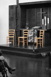 """Innenraum der Evangelischen Kirche in Königswinter/Oberpleis; Auftritts-Location für Flamencokonzert """"Feurige Momente"""" am 30.06.2017 mit dem Ensemble """"Alma Flamenca""""/Colorkey-Foto by Boris de Bonn"""