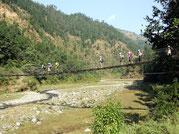 Pont suspensdu, Manaslu, Népal