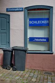 Andreas Maria Schäfer, fotograph1956,Fotografiewelten, Streetfotografie, Müll, Vergangenheit, Schlecker,
