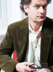 Oliver Törner liest Robert Gernhardt in der Mathilde