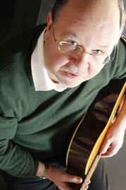 Winfried Siebert in der Mathilde bei GEMA nach Hause - Die gemafreie Liedermachershow