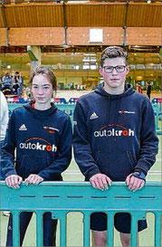 Malin Böhl (l.) und Elias Connor Dickel (beide VfL Bad Berleburg) hielten bei den Westfälischen U-16-Hallenmeisterschaften in Paderborn die Fahne der LG Wittgenstein hoch.