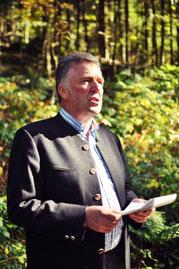 Der stellvertretende ÖJV Vorstand Michael Lechner bei seiner Laudatio.