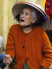 Alte Frau in Hoi An