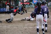 2塁から生還するハヤト