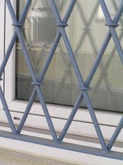 Puertas hierro comunidades de vecinos