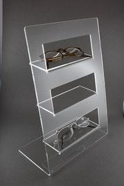 Acryl Display als Tischaufsteller für Brillen.