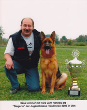 Tara vom Hanneß Jugendsiegerin 2003