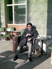 アテネ国際駅でトルココーヒーを飲む