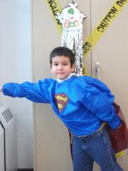 Pablo, notre Superman (qui s'apprête à sauter par la fenêtre!)