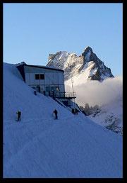 Départ pour le tour de la Meije à ski.