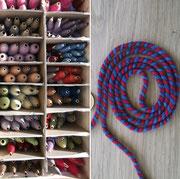 Nähgarne zum Handnähen aus pflanzengefärbter Wolle, Schnüre und Troddeln