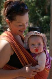 Les ateliers pour apprendre à porter son bébé en écharpe 82c08bf320f