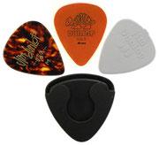 Tantissimi accessori per chitarra