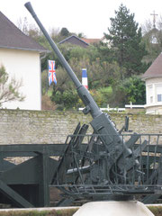 Arromanches : canon anti-aérien.