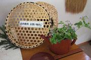 手仕事の竹細工の買い物かご