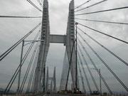 橋の傍では、人の知恵の素晴らしさに皆で感動しながら暫く美しい景色に見とれる。