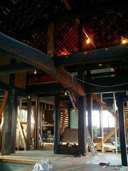 再生中 喫茶室壁竹組み土壁塗り